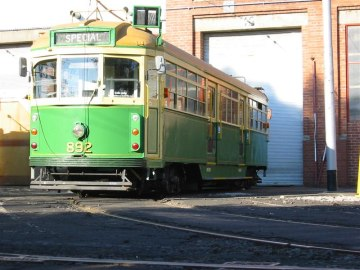 tram 892